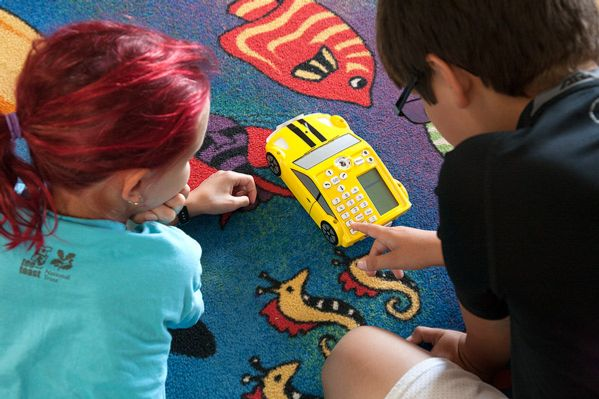 5th graders program a robot car